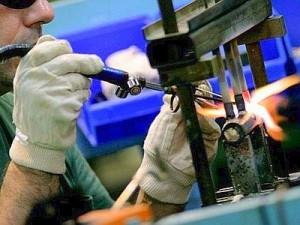 industria_manifatturiera_operaio_web--400x300[1]