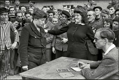9_Dessau_Germania_1945_©_Henri_Cartier_Bresson_Magnum_Photos_Contrasto