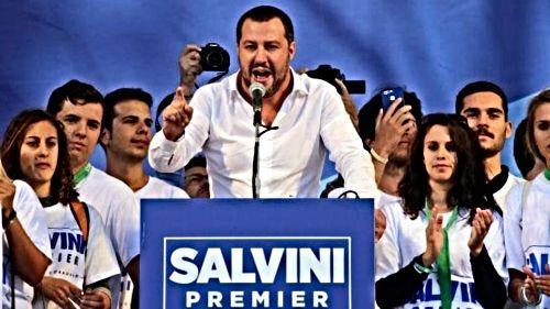 La camicia di Salvini e altre foto di potere
