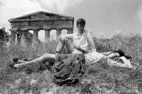 14 – Letizia Battaglia, Il Tempio di Segesta, 1986 © Letizia Battaglia-1
