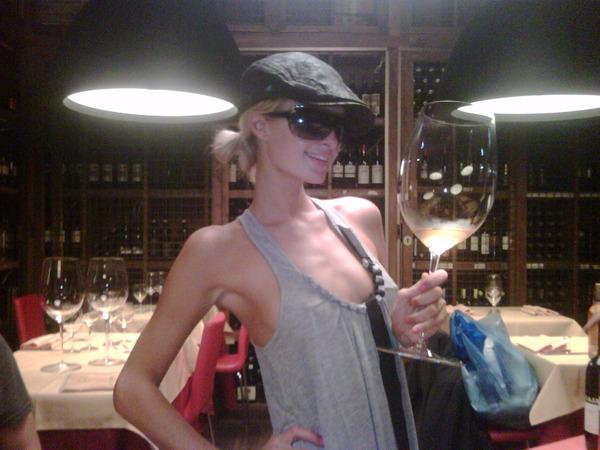 Un bicchierino di vino bianco