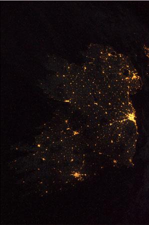 Bella foto dell'Irland nella notte di Natale! Credit: ESA/NASA
