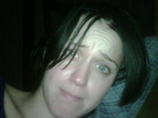 Katy Perry senza trucco, gentile omaggio del marito