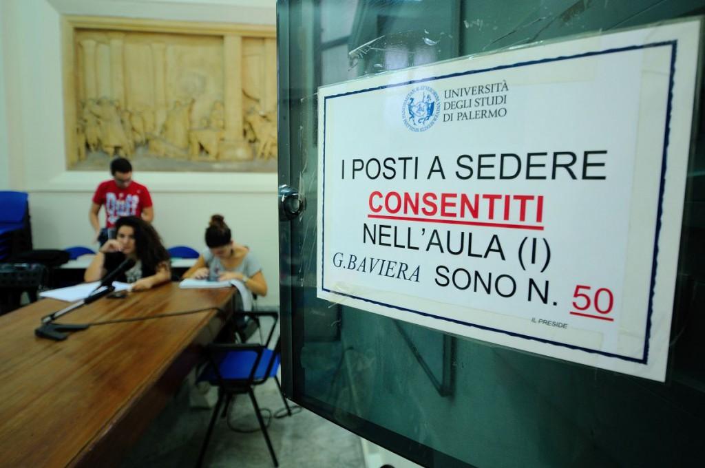 Palermo 07-10-2015 Caos all'Università (Giurisprudenza) MIKE PALAZZOTTO