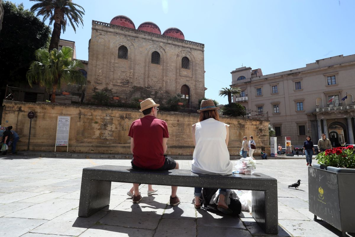 Crocieristi turisti in centro storico