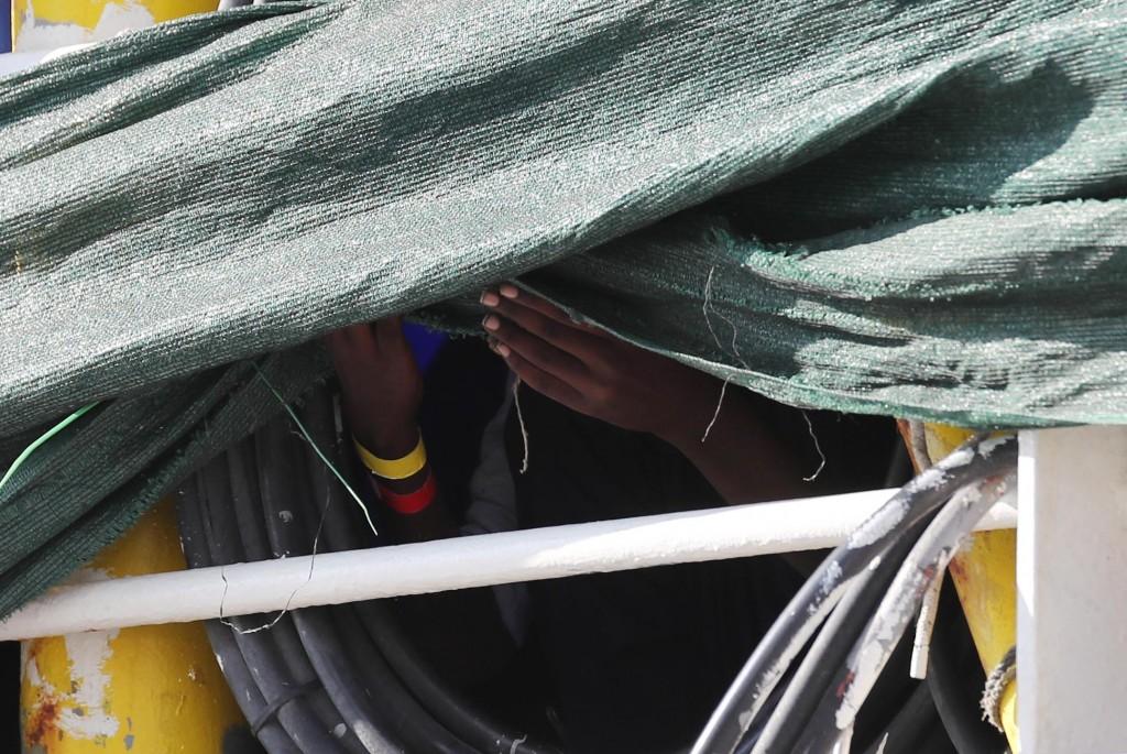 Sbarco 600 Migranti al Porto di Palermo