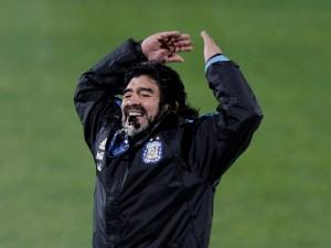 Maradona fischietto