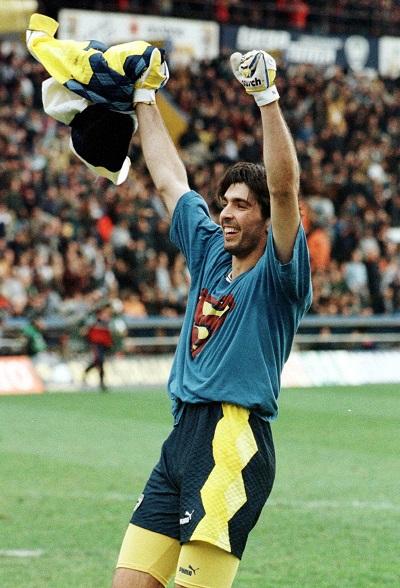 Calcio: dai fasti alla resa, il Parma fallisce / SPECIALE
