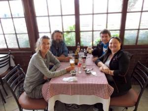 Noi a pranzo con Karin e Guido in un ristorante fondato da immigranti Trentini