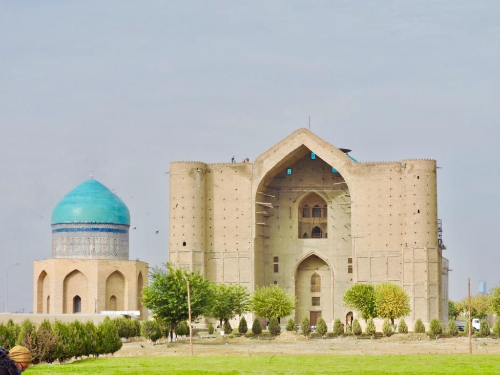 Mausoleo di Yasaui