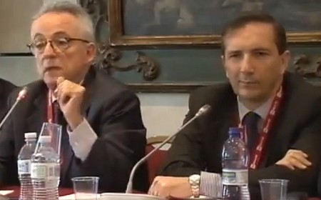 Gubitosi (a destra) al Festival di Giornalismo di Perugia (2013)