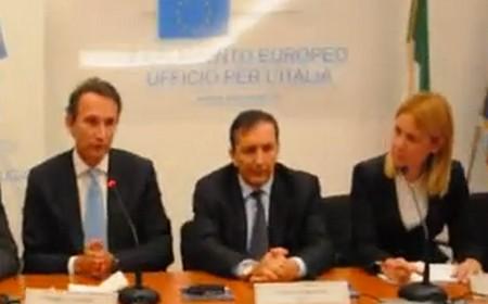 A sinistra, Andrea Zappia (ad di Sky) con Luigi Gubitosi (dg di Rai)