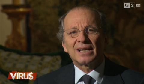 Luigi Bisignani durante il suo intervento a Virus