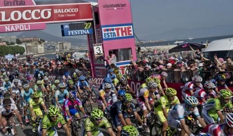 Una tappa del Giro a Napoli