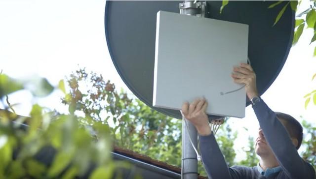 L'antenna esterna necessaria a intercettare il segnale Internet via onde radio