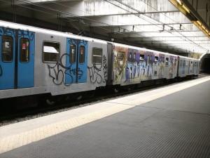 Metro_di_Roma_-_Marconi_graffiti-300x225