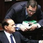 A Montecitorio, sui banchi del governo, Berlusconi con Ghedini