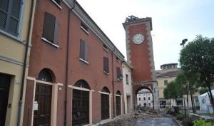 San Felice torre dell'orologio dopo il 20 maggio
