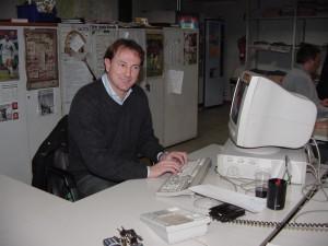 De Biasi davanti al mio computer nella vecchia sede di via Ricci