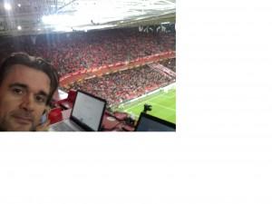 Selfie in tribuna stampa