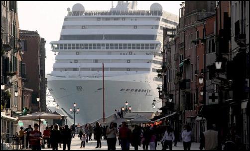 Stop grandi navi a Venezia