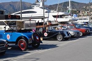 Auto storiche alla Marina Genova rid