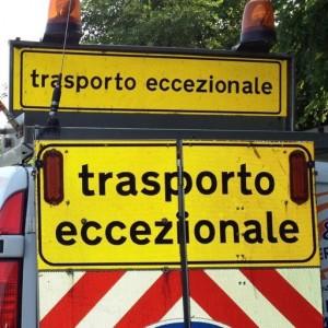 Trasporto eccezionale segnale