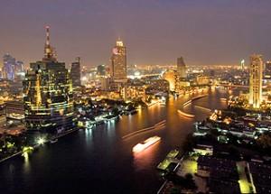 Il fiume Chao Praya che attraversa Bangkok