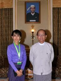 Aung San Suu Kyi e Thein Sein dopo la celebre cena