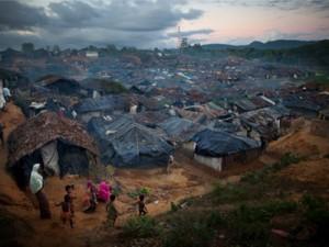 Un campo di rifugiati Rohingya