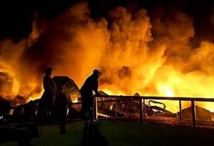 L'incendio che ha ucciso 85 persone a Karachi