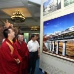 """Il Panchen lama di nomina cinese visita a Pechino una mostra sui """"progressi"""" del Tibet"""