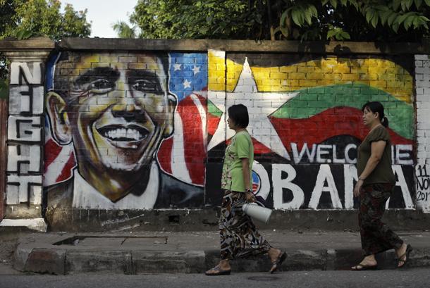 Murales di benvenuto a Obama da un artista di Rangoon