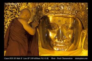 Il Mahamuni Buddha a Mandalay