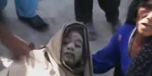 Amina Bibi in fin di vita davanti alla stazione di polizia