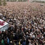 L'omaggio oceanico alla bara del killer islamico giustiziato
