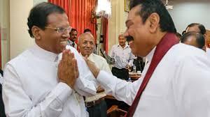 Il presidente dello Sri Lanka Sirisena e il suo neo-premier Rajapaksa