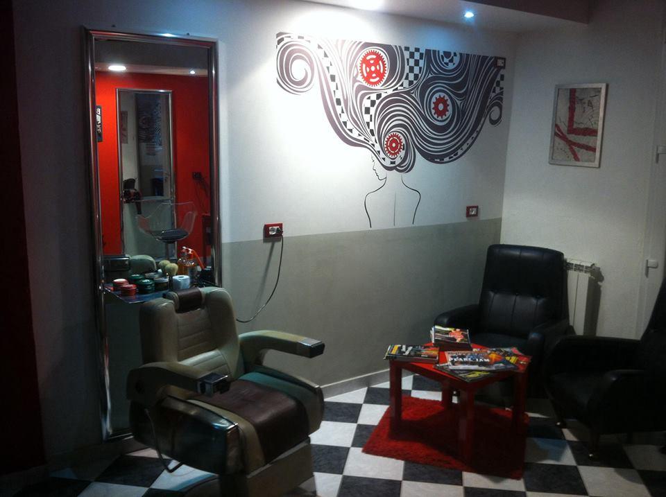 Il barbiere rockabilly che sfida la crisi bo utique for Tattoo shops in illinois
