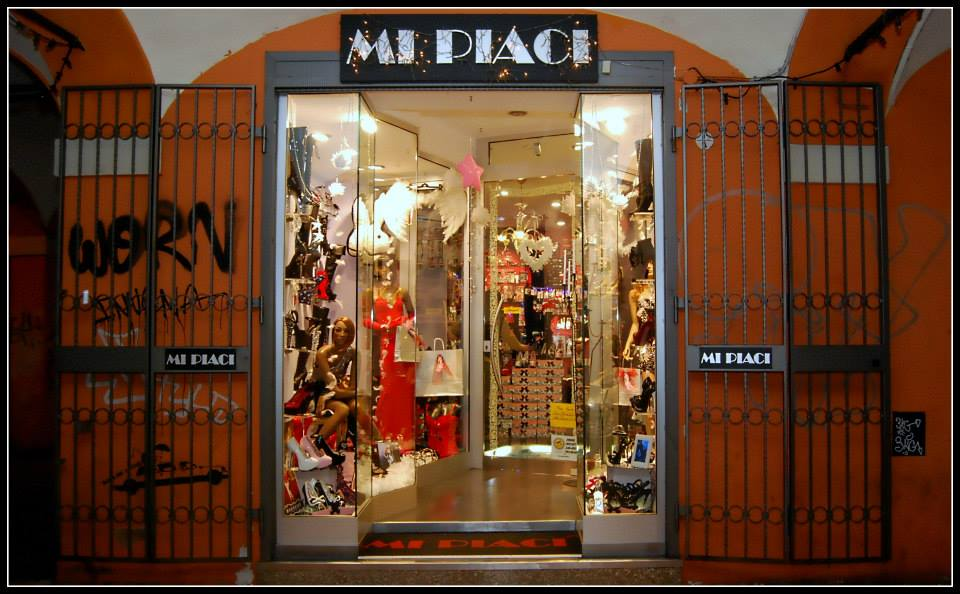 Popolare Mi Piaci, il negozio delle altre scarpe - BO-utique - Blog  UM75