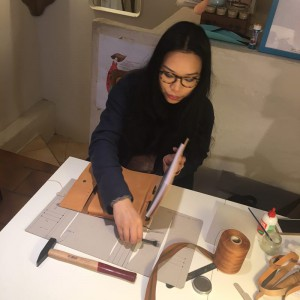 Lisa Chen in bottega