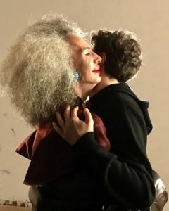 Abbraccio tra Valerie e Marco Rambaldi