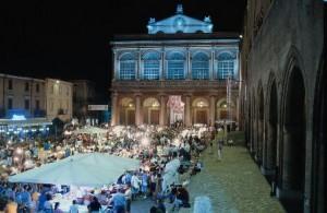 Mercatino antiquariato serale Rimini
