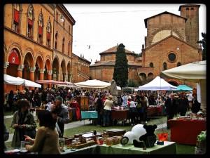 Mercato di Piazza Santo Stefano - foto tratta dalla pagine dedicata su Facebook