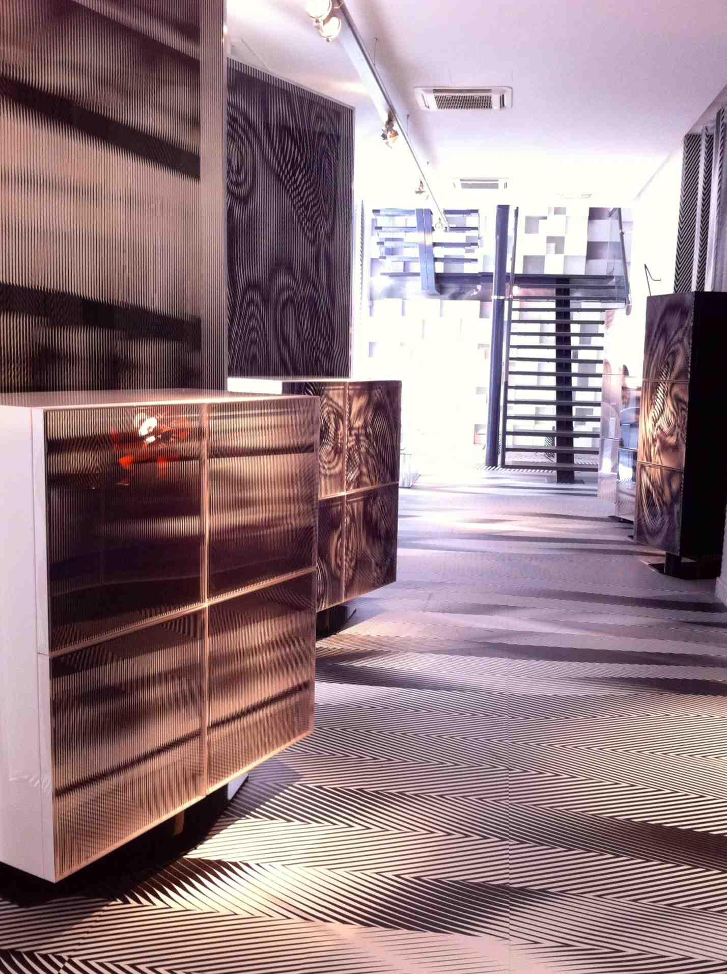 Parigi d 39 days lo stile op di roche bobois design large blog - Eetkamer roche bobois ...