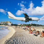 Airplane-Landing-at-Airport,-Maho-Bay,-Saint-Martin