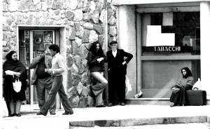 (12) NUORO 11 04 1976 LIANDRU CON LA FIDANZATA1