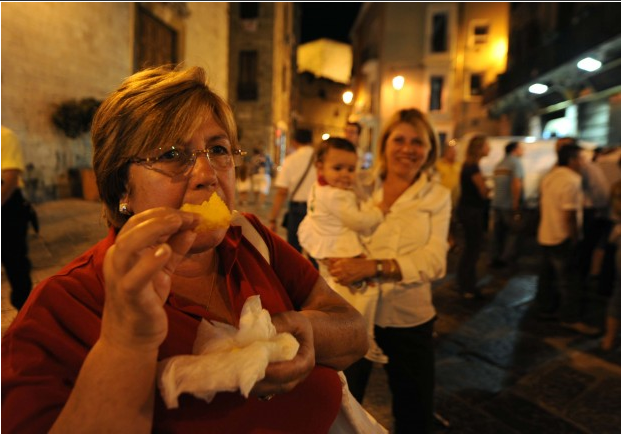 Foto La festa delle sgagliozze a Bari vecchia - 11 di 13 - Bari - Repubblica.it