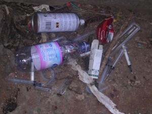 sottopassaggio via piersanti mattarella_rifiuti e siringhe 2