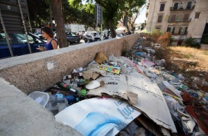 palermo 1102014 ( FOTO PETYX PALERMO) discarica a piazza indipendenza
