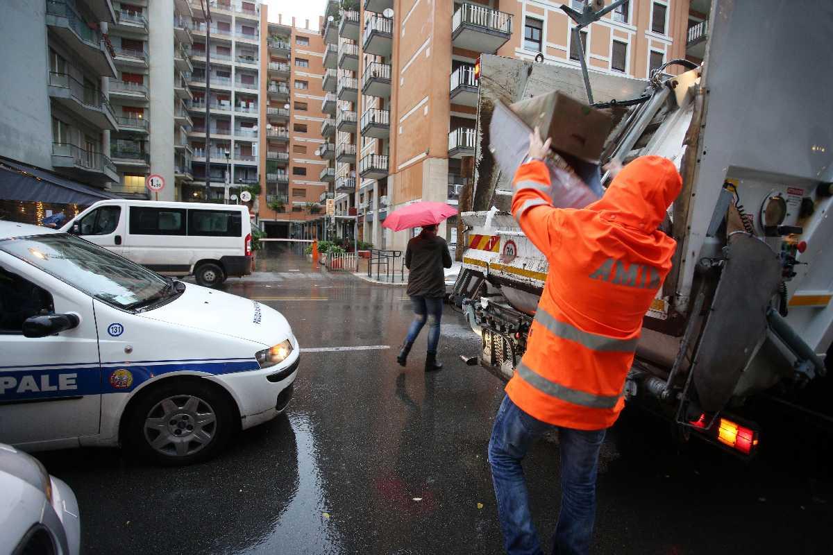 Palermo 5122014 ( FOTO PETYX PALERMO) multe per la raccolta digfferenziata